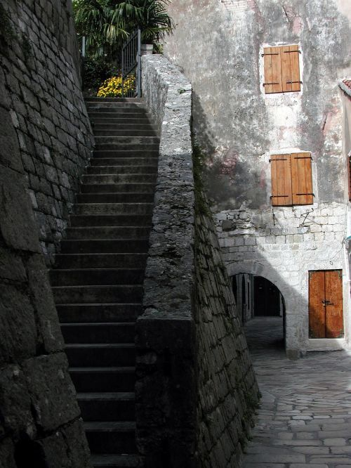kotor montenegro stairs
