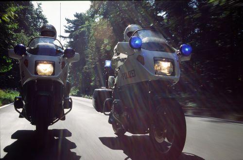 krad,motociklas,transporto priemonė,variklis,technologija,dviračių transporto priemonė,motociklai,policija,naudoti,naudoti kelionę,mėlyna šviesa,patrulis