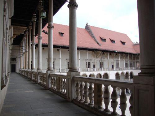 kraków wawel the castle courtyard