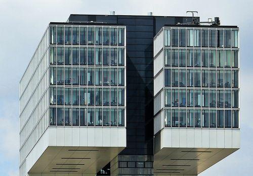 kranhaus,išsamiai,Išsamiau,architektūra,Kelno katedra,Kelnas,šiuolaikiška,pastatas,stiklo langas,moderni architektūra,namai,Reino upė,rinas,Rheinauhafen,Vokietija,dangoraižis,gyvenamoji vieta,biurų pastatas,gyvenamieji pastatai,plieno santvarų konstrukcija,įspūdingas,įspūdingas pastato formos,reginas,muitinės uostas,tektoninė koncepcija,Senamiestis,stiklas,įžvalga