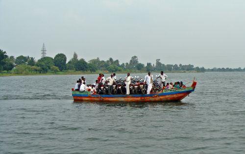 krishna river boat island