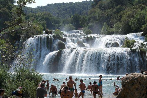 krka trip waterfall