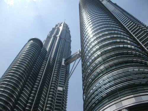 kuala lumpur petronas twin towers sky