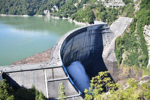 kurobe dam  黒部湖  dam water
