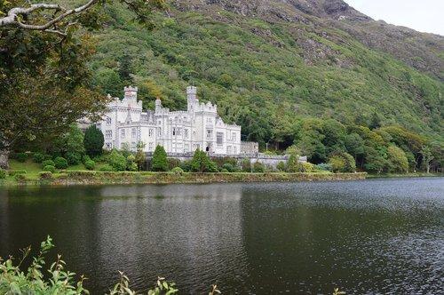 kylemore abbey  lake  castle