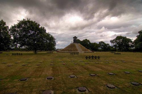 la cambe military cemetery normandy
