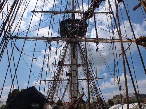 la fayette frigate hermione sailing boat