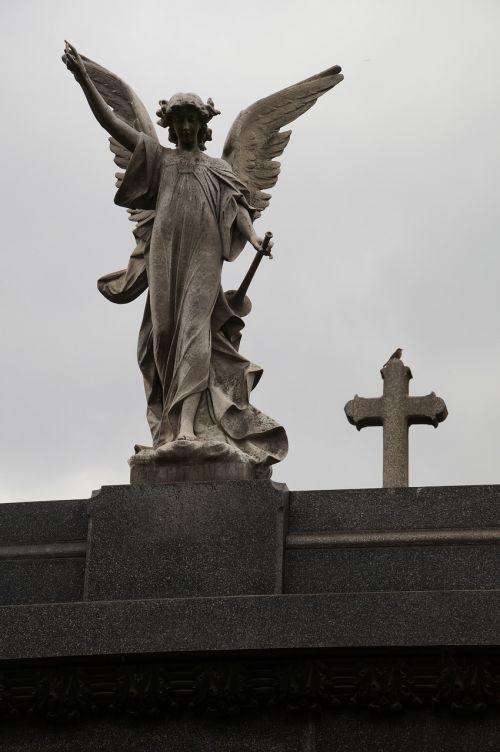 la recoleta buenos aires cemetery