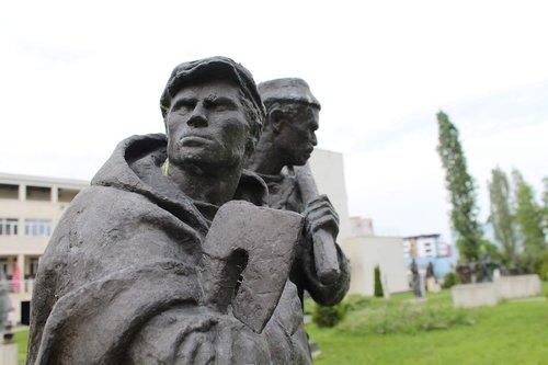 labour day  art  monument