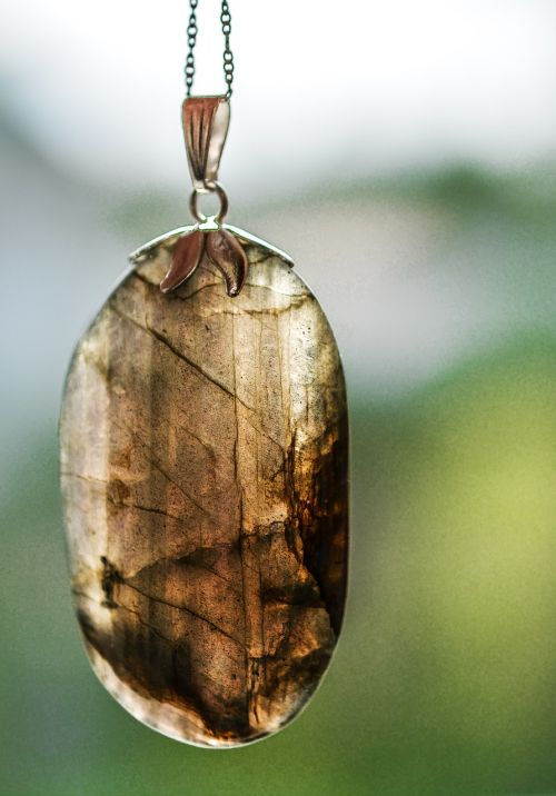 labradorite crystal stone