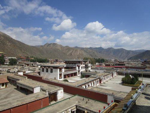 labrang is tibetan buddhism in gannan prefecture