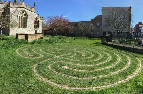 labyrinth glastonbury grass