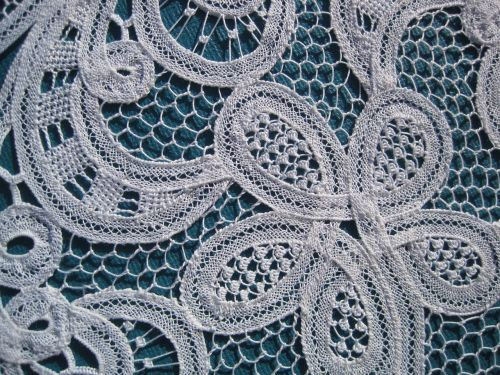 embroidery lace luxeuil