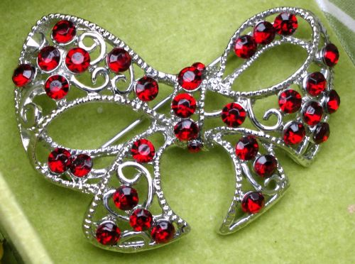Ladies Antique Bow Brooch