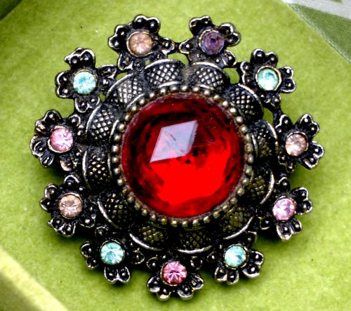 Ladies Antique Red Brooch