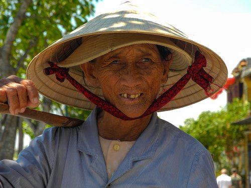 lady street vendor  hue  vietnam