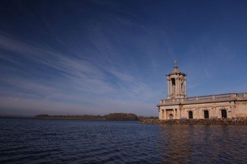 lago iglesia landscape