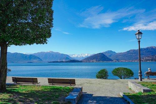 lago maggiore  laveno  varese