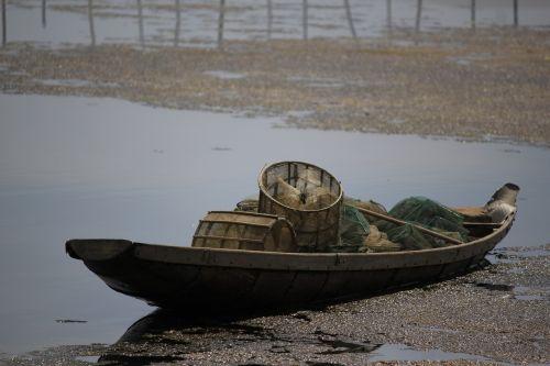 sharp vietnam the boat