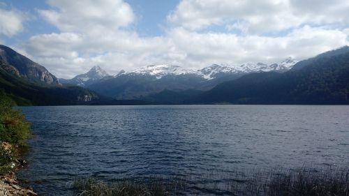 lagoon towers puerto cisnes aysén region