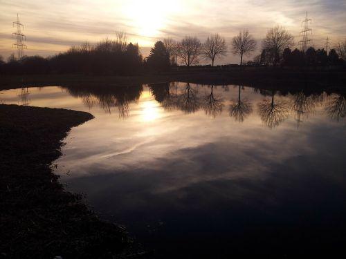 lake water abendstimmung