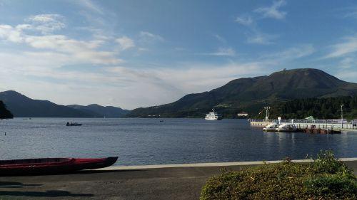 lake ship lake ashi