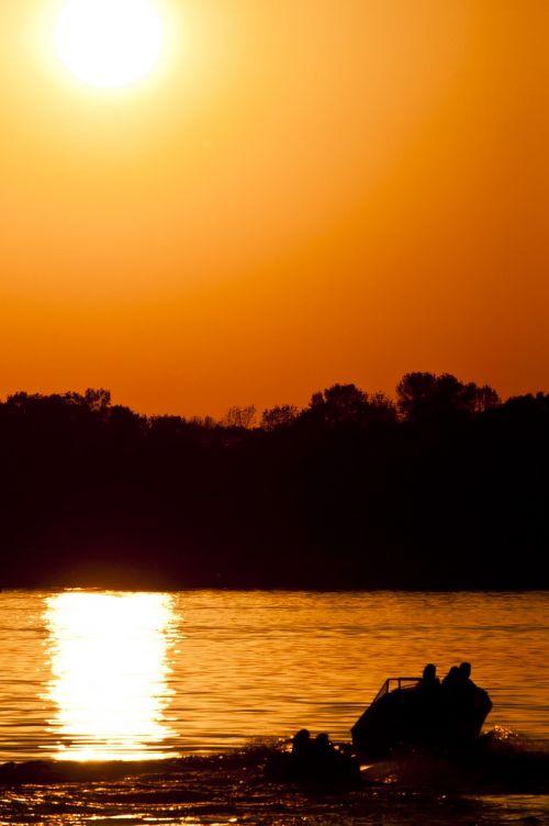 lake buckhorn lake solar eclipse
