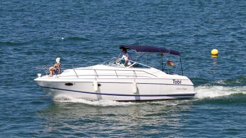 lake boot boat trip