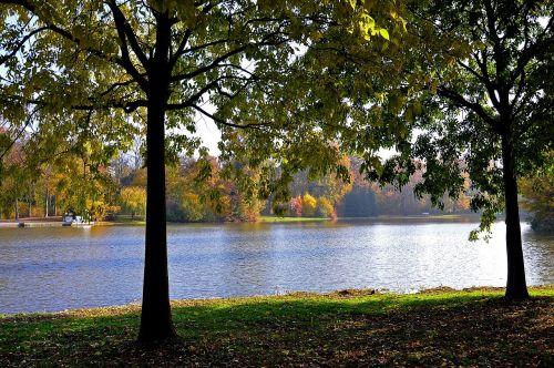 lake castle park herbstimpression
