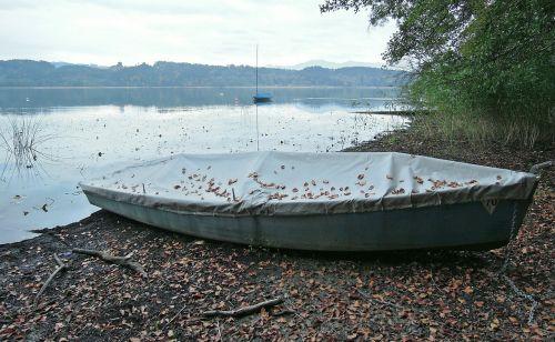 lake water boot