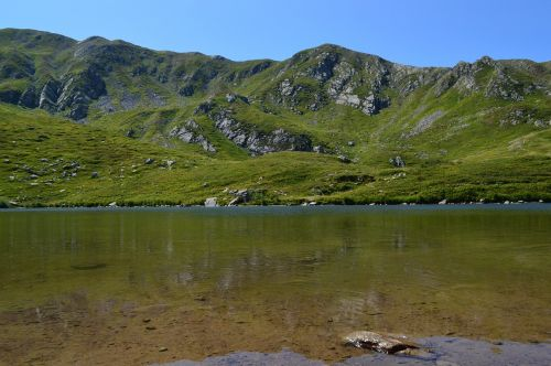 lake garfagnana upstream