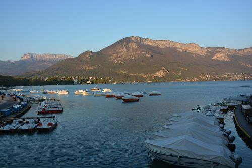 lake annecy water