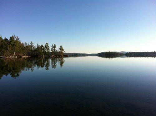 lake mirror scenery
