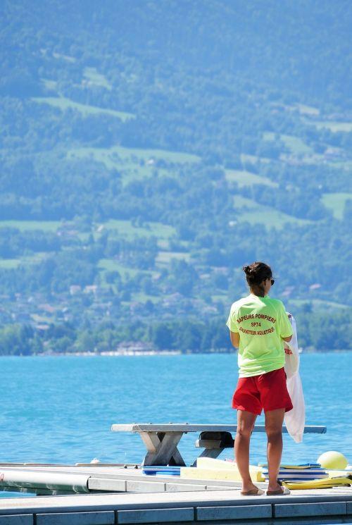 lake rescuer water