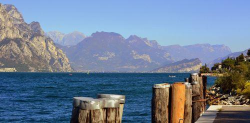 lake mooring mountain
