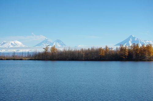 lake volcanoes mountains