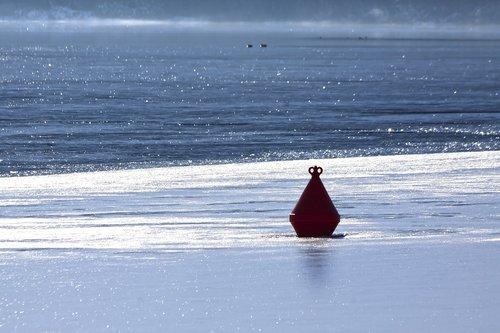 lake  frozen  ice