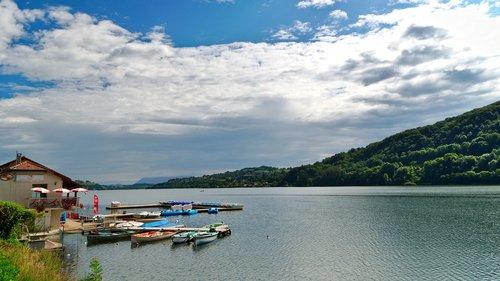lake  paladru  charavines