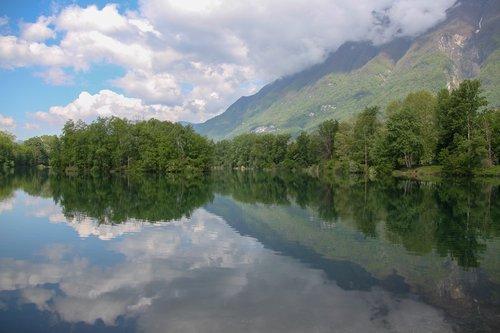 lake  gresy sur isère  savoie