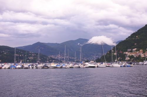lake yachts como