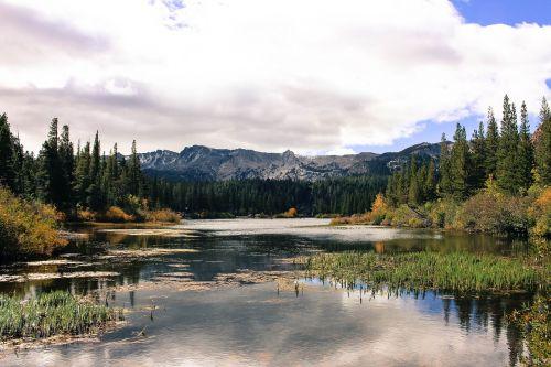 lake scenery mammoth lakes