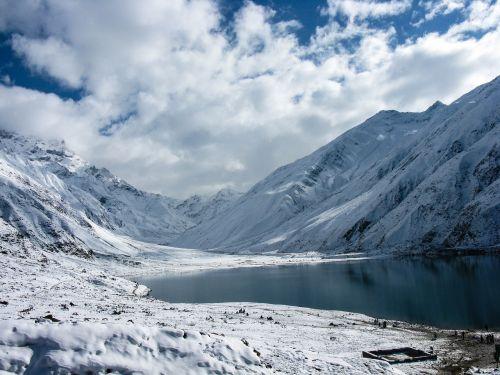 lake snow nature