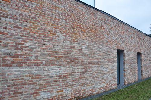lake dusia brick house