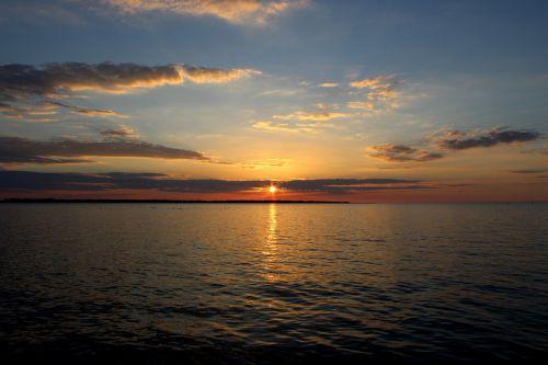 lake erie sunset landscape