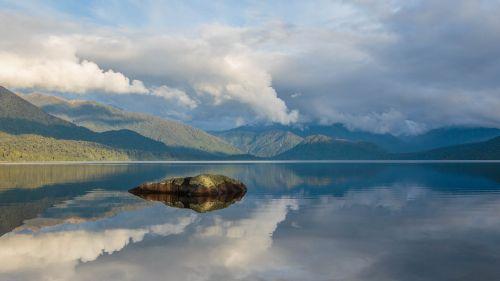 lake kaniere new zealand lake