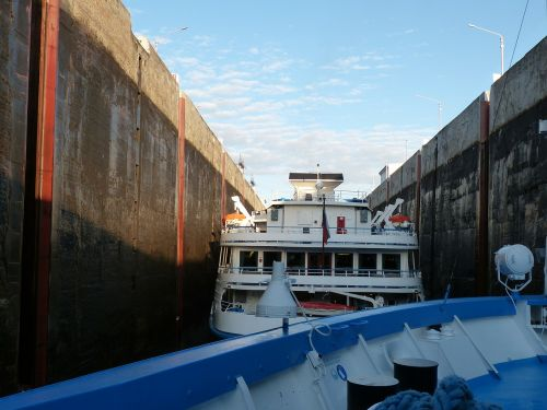 lake ladoga lock channel