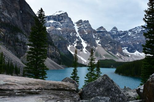lake louise moraine lake banff