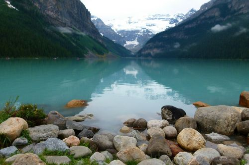 lake louise glacier blue