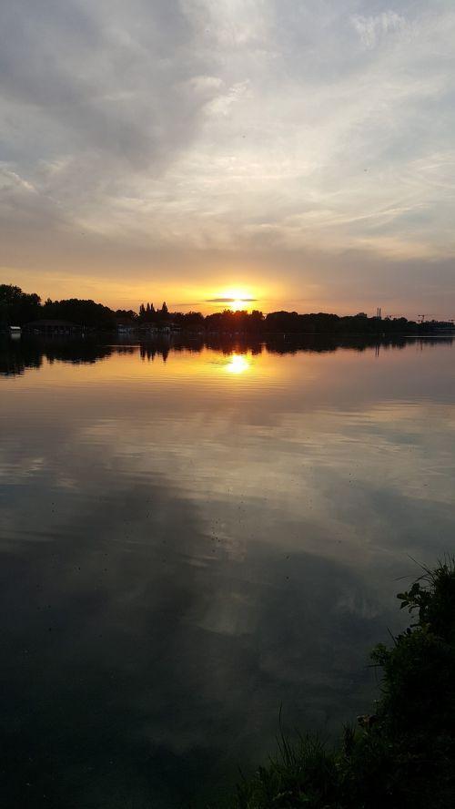 lake maschsee hanover sunset