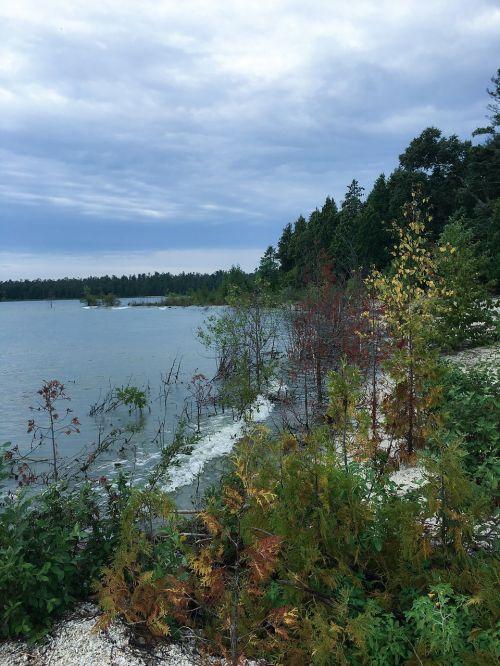 lakeshore shoreline scenic
